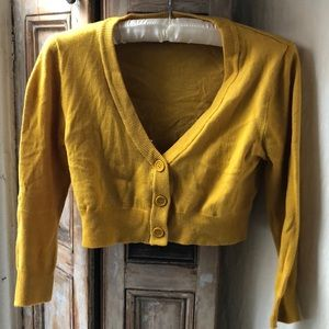 Cropped Pin-up girl mustard cardigan